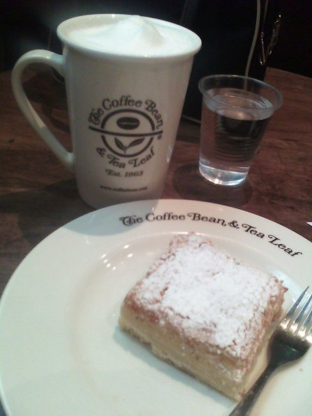 Almond biscotti latte + lemon square