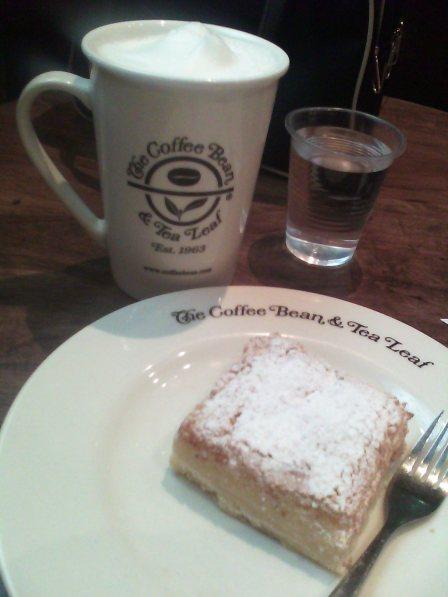 Almond biscotti latte + lemon square