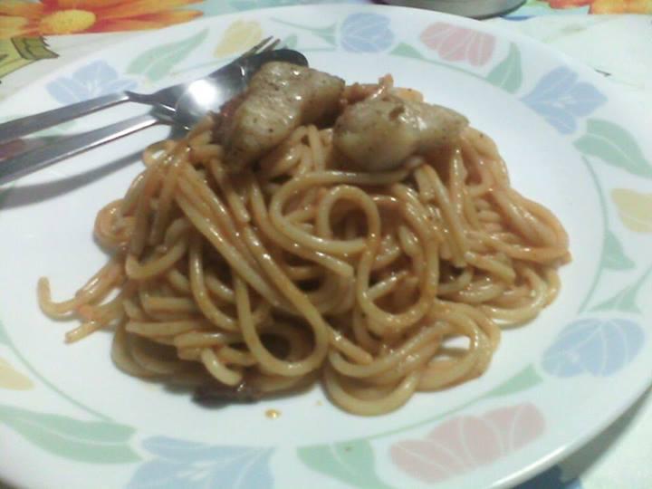 Believe it or not, this pasta has surf-n-turf...sort of...