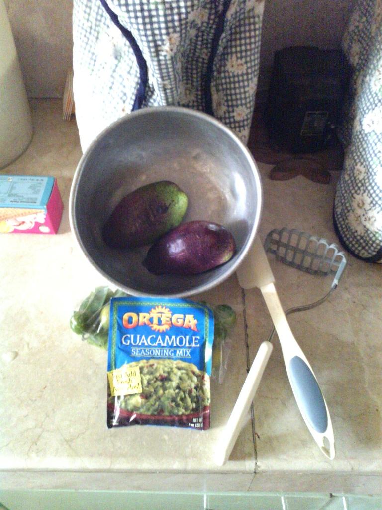 Fresh avos + seasoning = a plan...