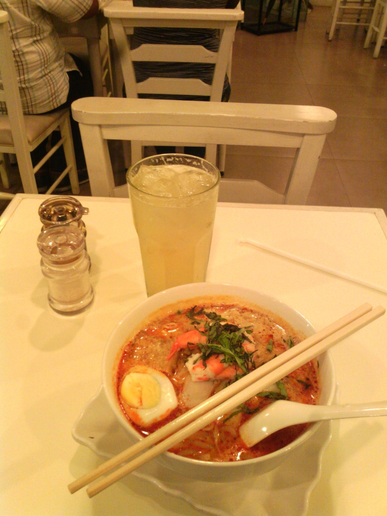Nonya laksa and a ginger-lime soda