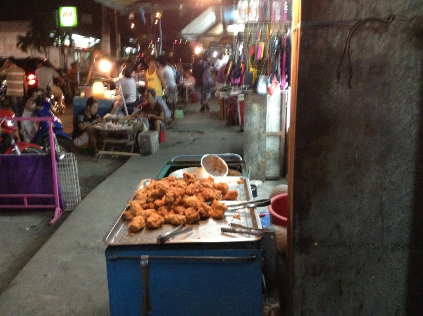 A fried chicken cart in Muntinlupa