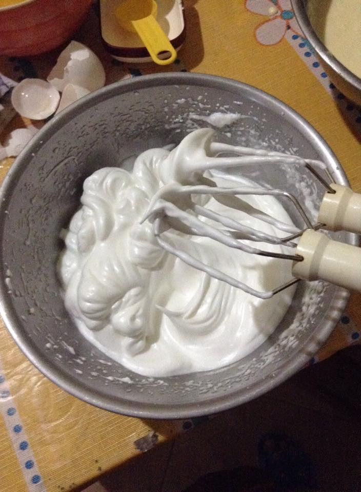 Meringue: also known as the reason why I could never get top marks in HomeEc