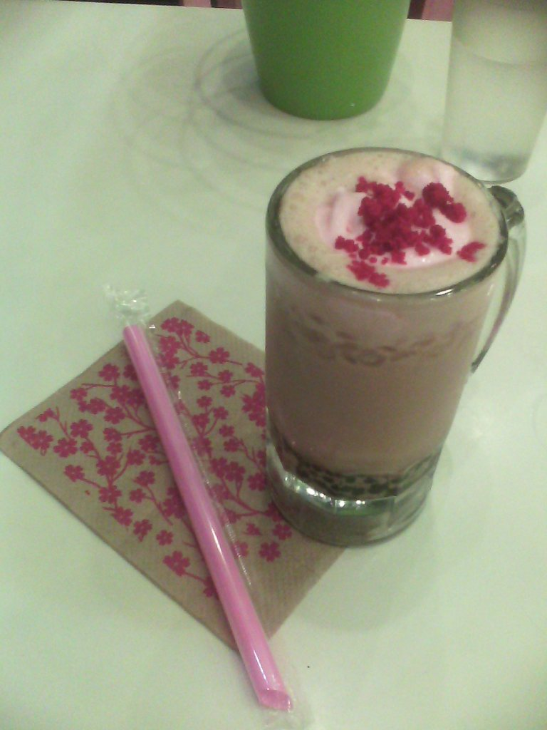 Sakura-inspired milk tea for one