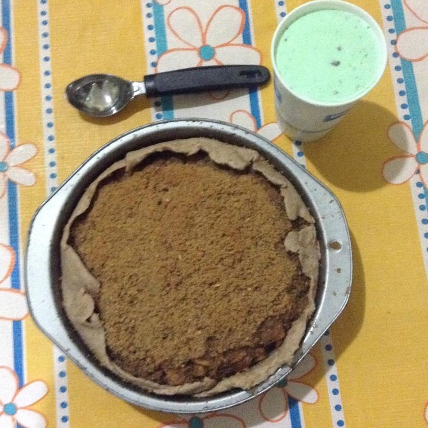 Almond Crumble Apple Pie...and pistachio ice cream!