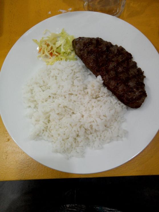 Stuffed Pljeskavica with rice